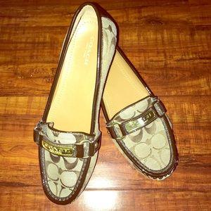 """🆕 Coach """"Felisha"""" signature loafers"""